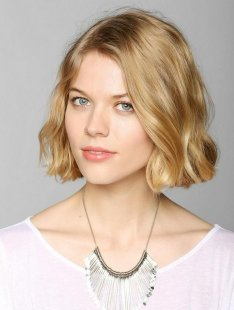 Cute Chin-Length Hairstyles for Bob: Short Wavy Hair